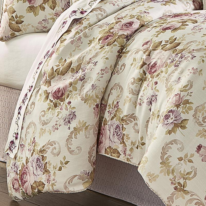 Chambord Lavender 4-Piece Comforter Set [Luxury comforter Sets] [by Latest Bedding]