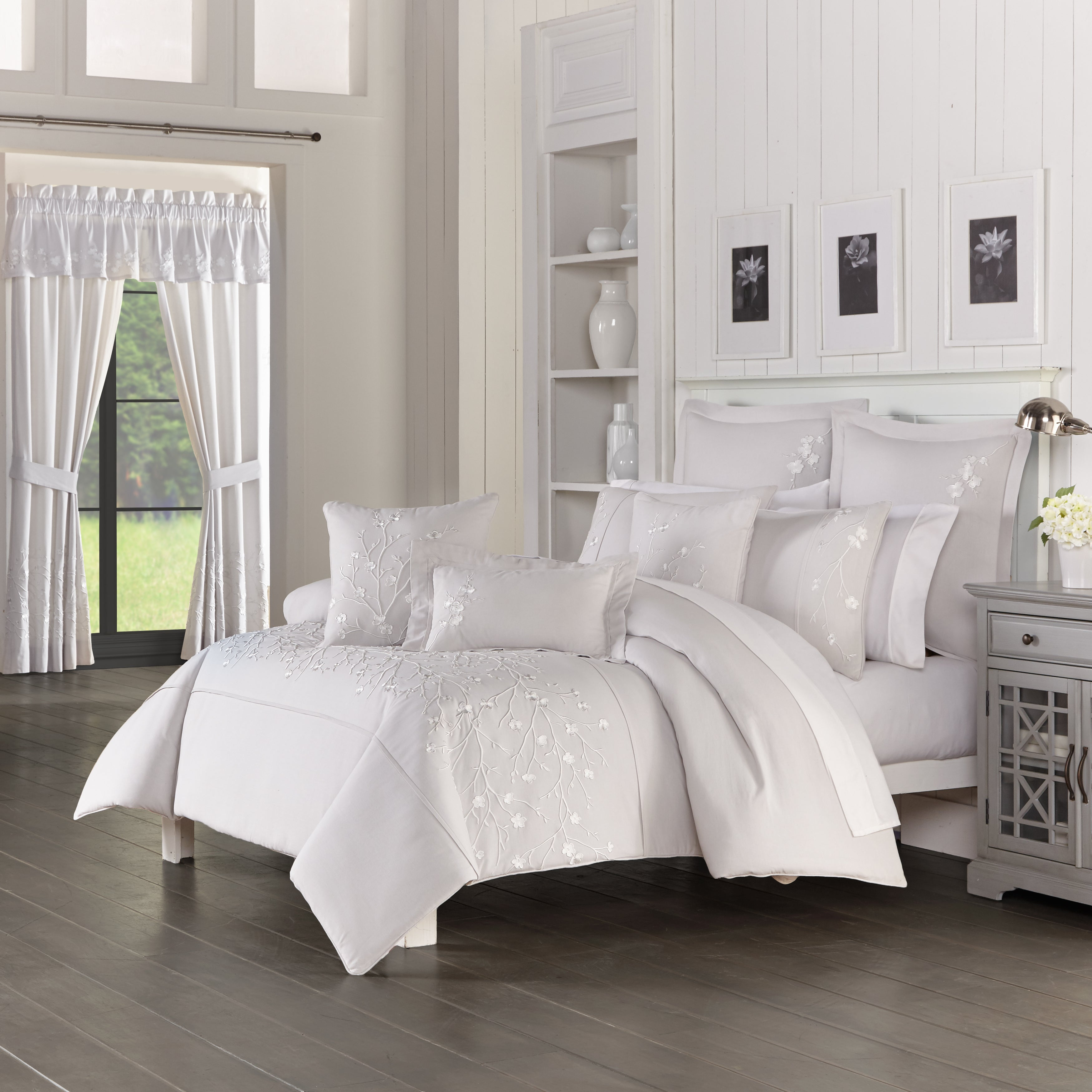 Cherry Blossom Grey 3-Piece Comforter Set [Luxury comforter Sets] [by Latest Bedding]