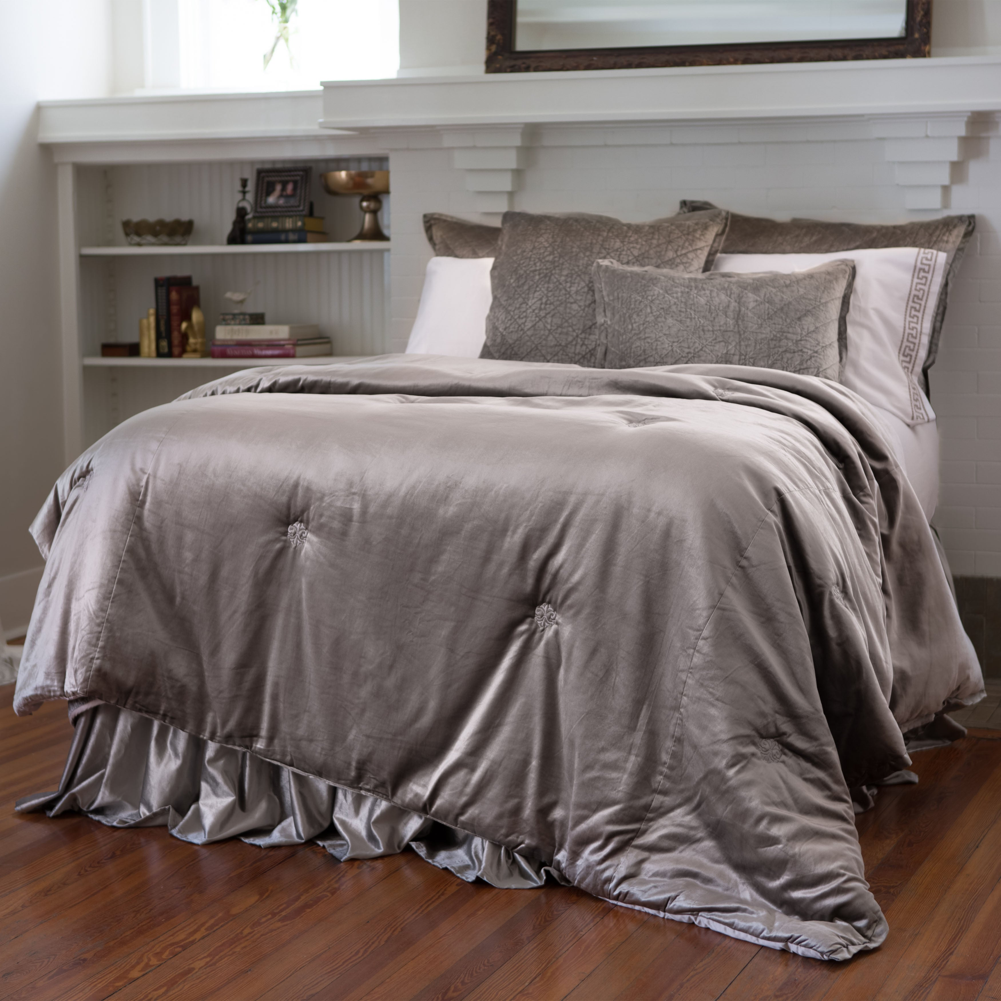 Chloe Fawn Velvet Padded Comfortlet [Luxury comforter Sets] [by Latest Bedding]