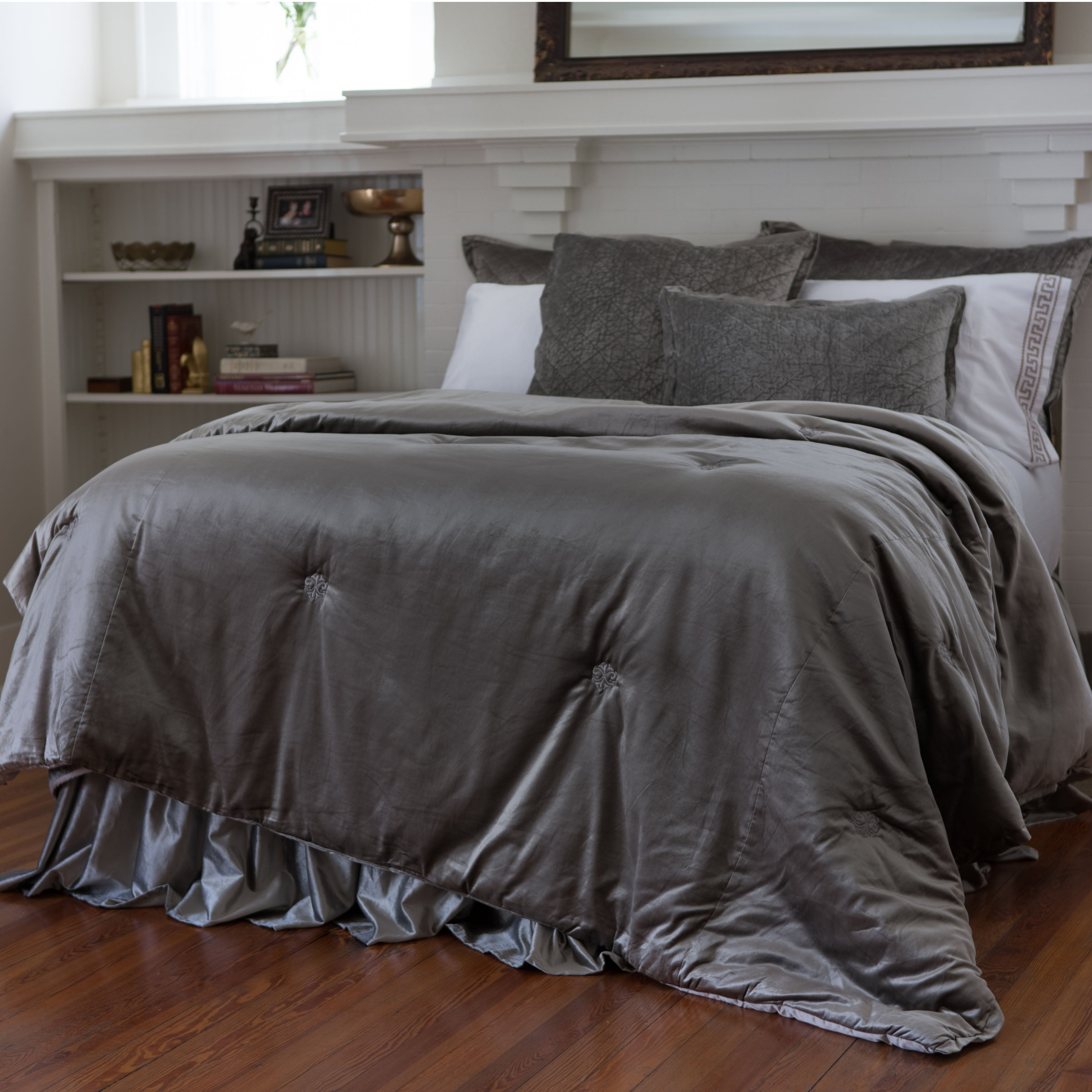 Chloe Silver Velvet Padded Comfortlet [Luxury comforter Sets] [by Latest Bedding]