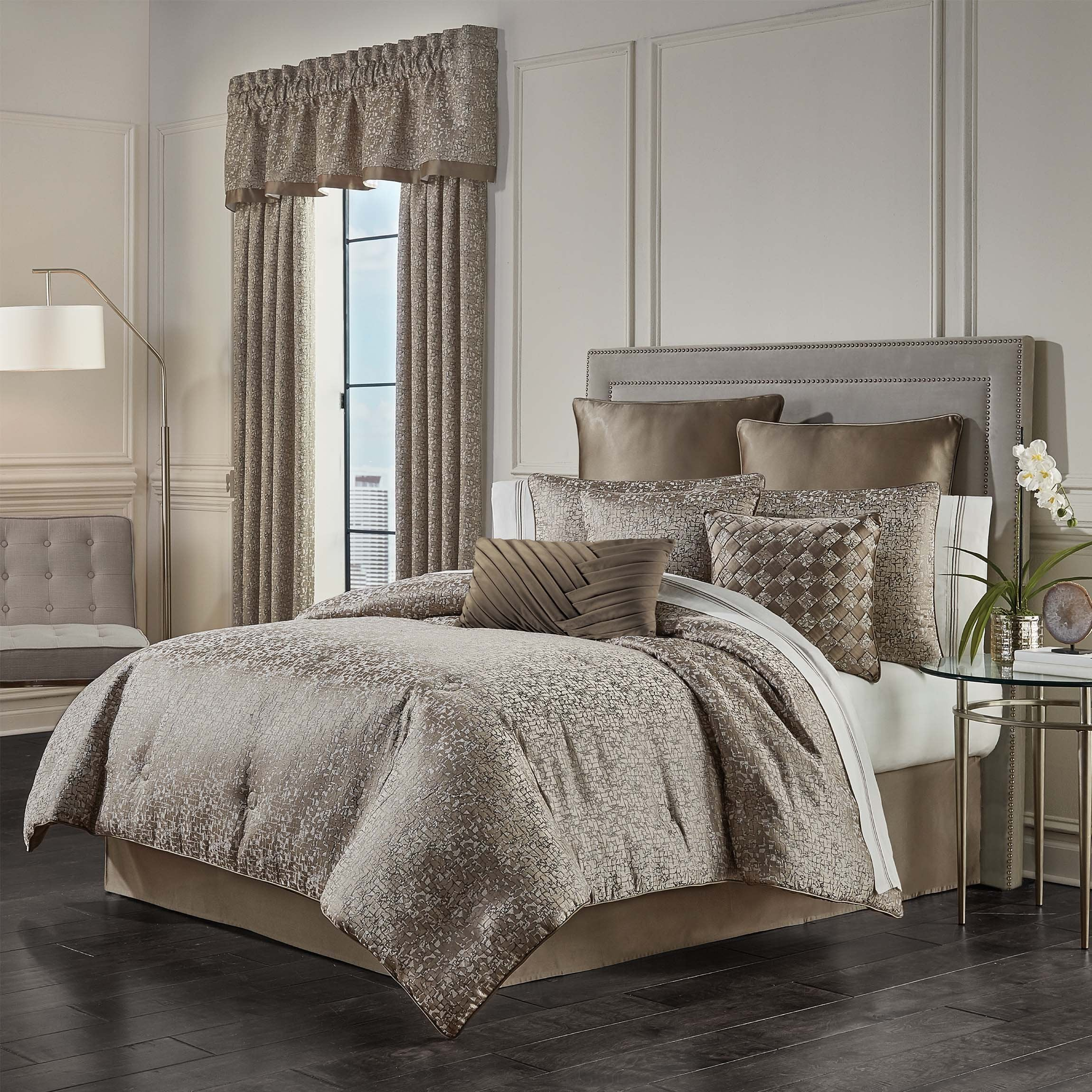 Cracked Taupe Ice 4-Piece Comforter Set Comforter Sets By J. Queen New York