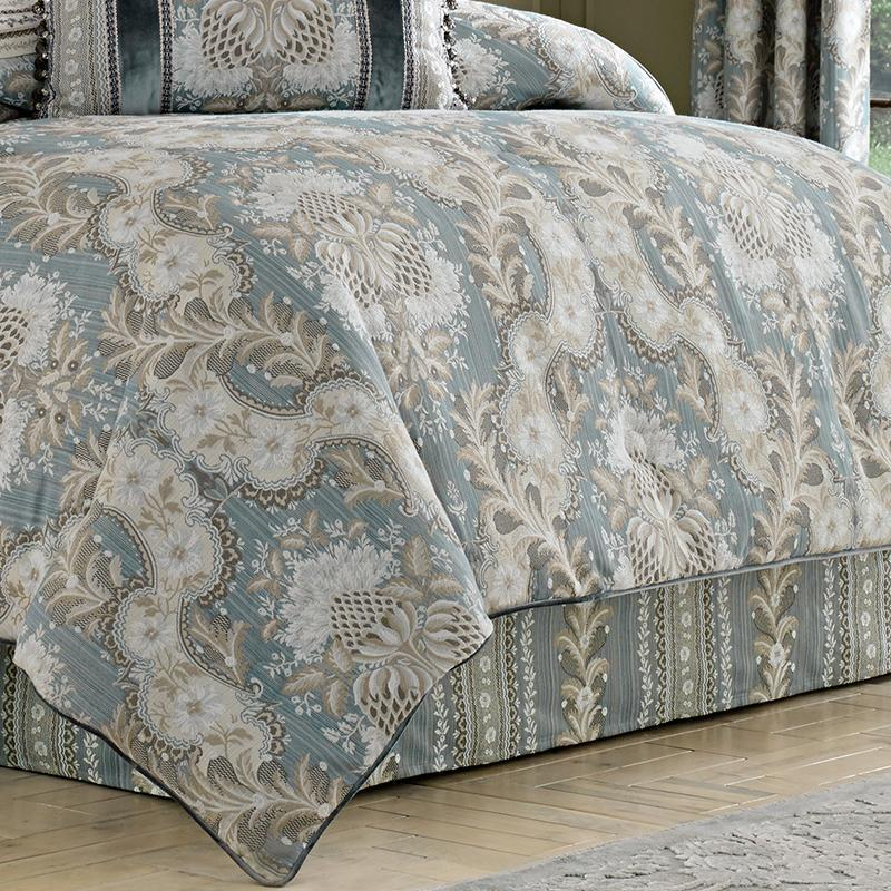 Crystal Palace French Blue 4-Piece Comforter Set [Luxury comforter Sets] [by Latest Bedding]
