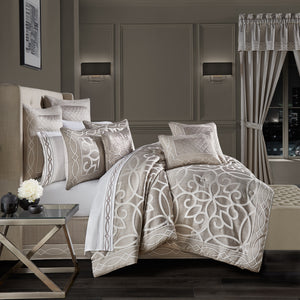 Deco Silver 4-Piece Comforter Set [Luxury comforter Sets] [by Latest Bedding]
