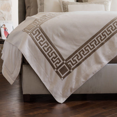 Dimitri Ivory Basketweave Fawn Velvet Throw [Luxury comforter Sets] [by Latest Bedding]