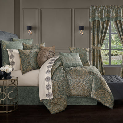 Dorset SPA 4-Piece Comforter Set Comforter Sets By J. Queen New York