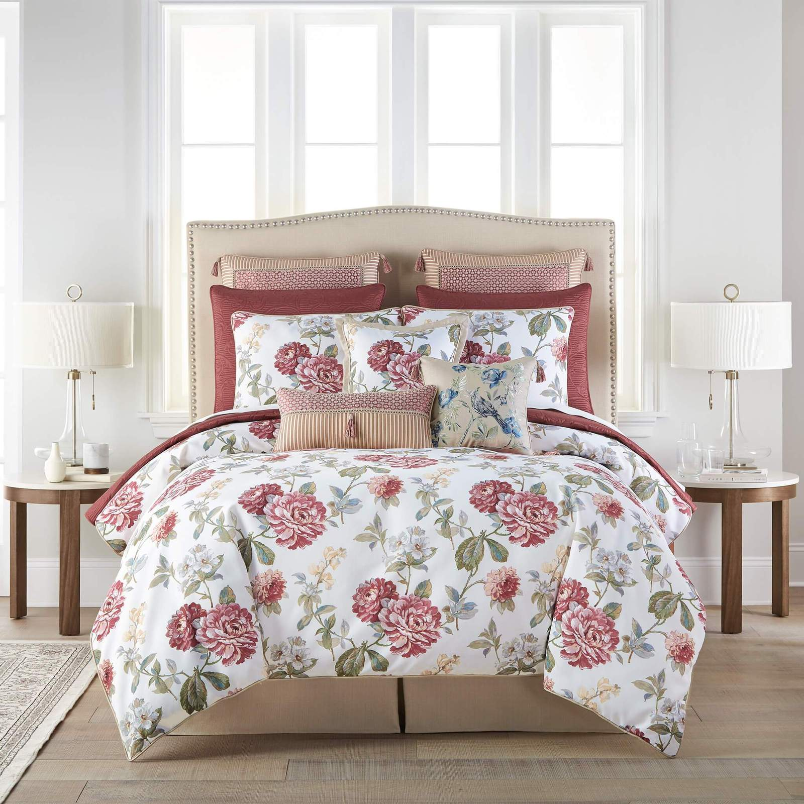 Fleur White 4-Piece Comforter Set By Croscill [Luxury comforter Sets] [by Latest Bedding]