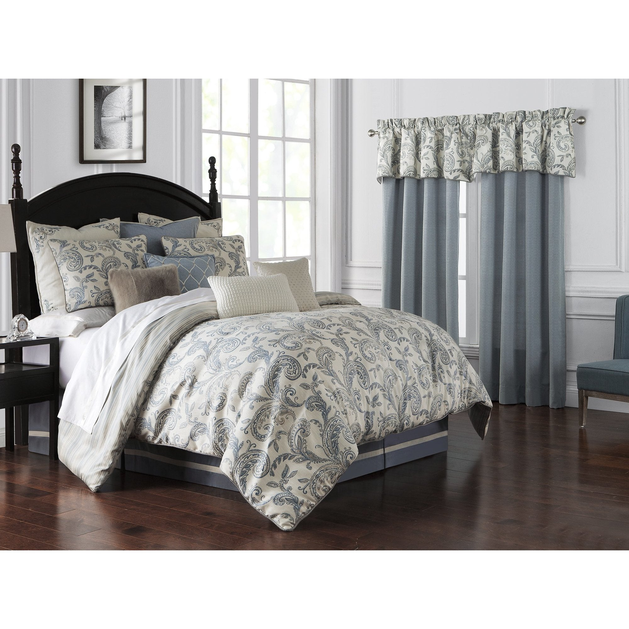 Florence Chambray Blue 4-Piece Reversible Comforter Set by Waterford [Luxury comforter Sets] [by Latest Bedding]