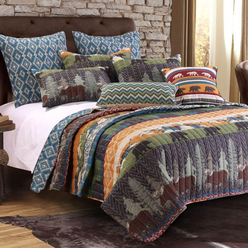 Black Bear Lodge Quilt Set with Bonus 16 in. Pillow