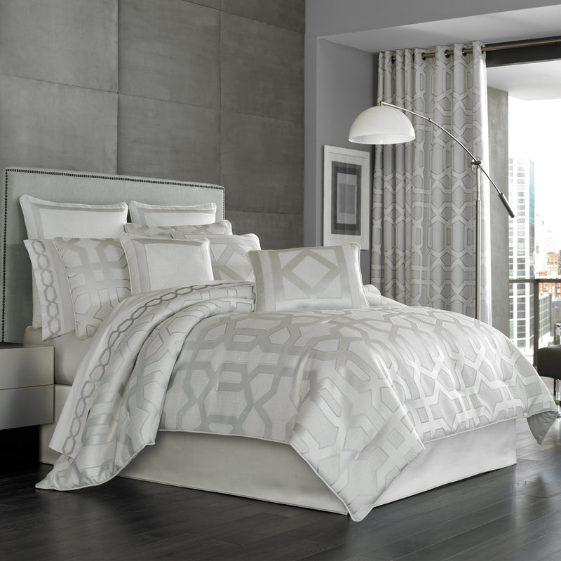 Kennedy Sterling 4-Piece Comforter Set [Luxury comforter Sets] [by Latest Bedding]