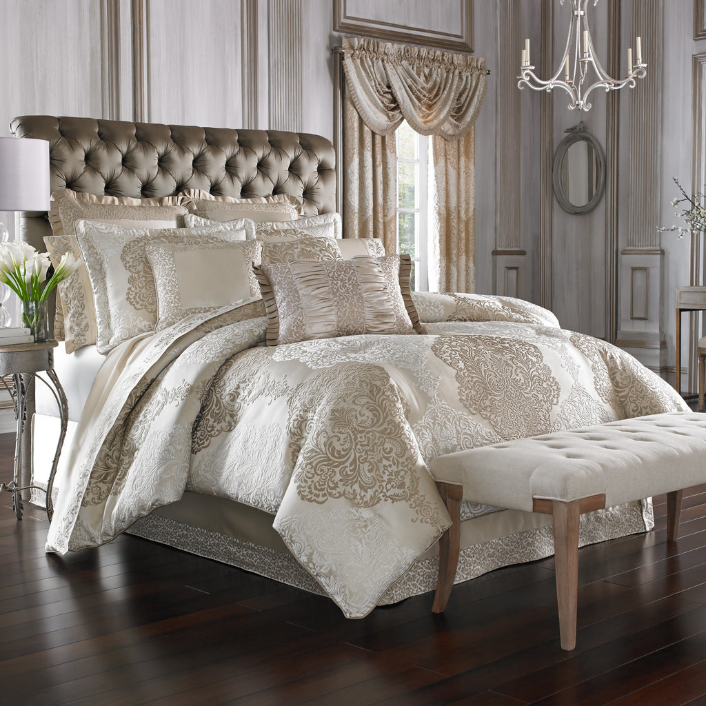 LaScala Gold 4-Piece Comforter Set [Luxury comforter Sets] [by Latest Bedding]