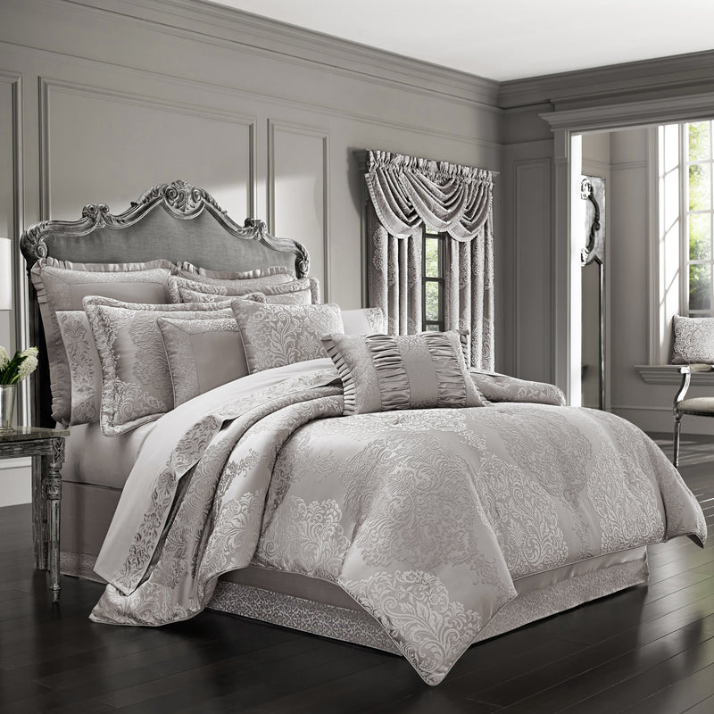 LaScala Silver 4-Piece Comforter Set [Luxury comforter Sets] [by Latest Bedding]