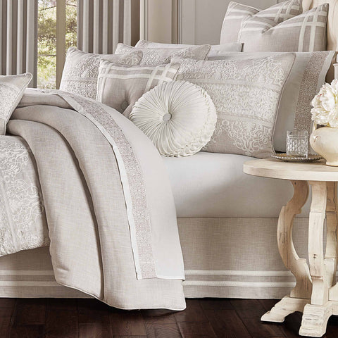 Lauralynn Beige 4-Piece Comforter Set [Luxury comforter Sets] [by Latest Bedding]
