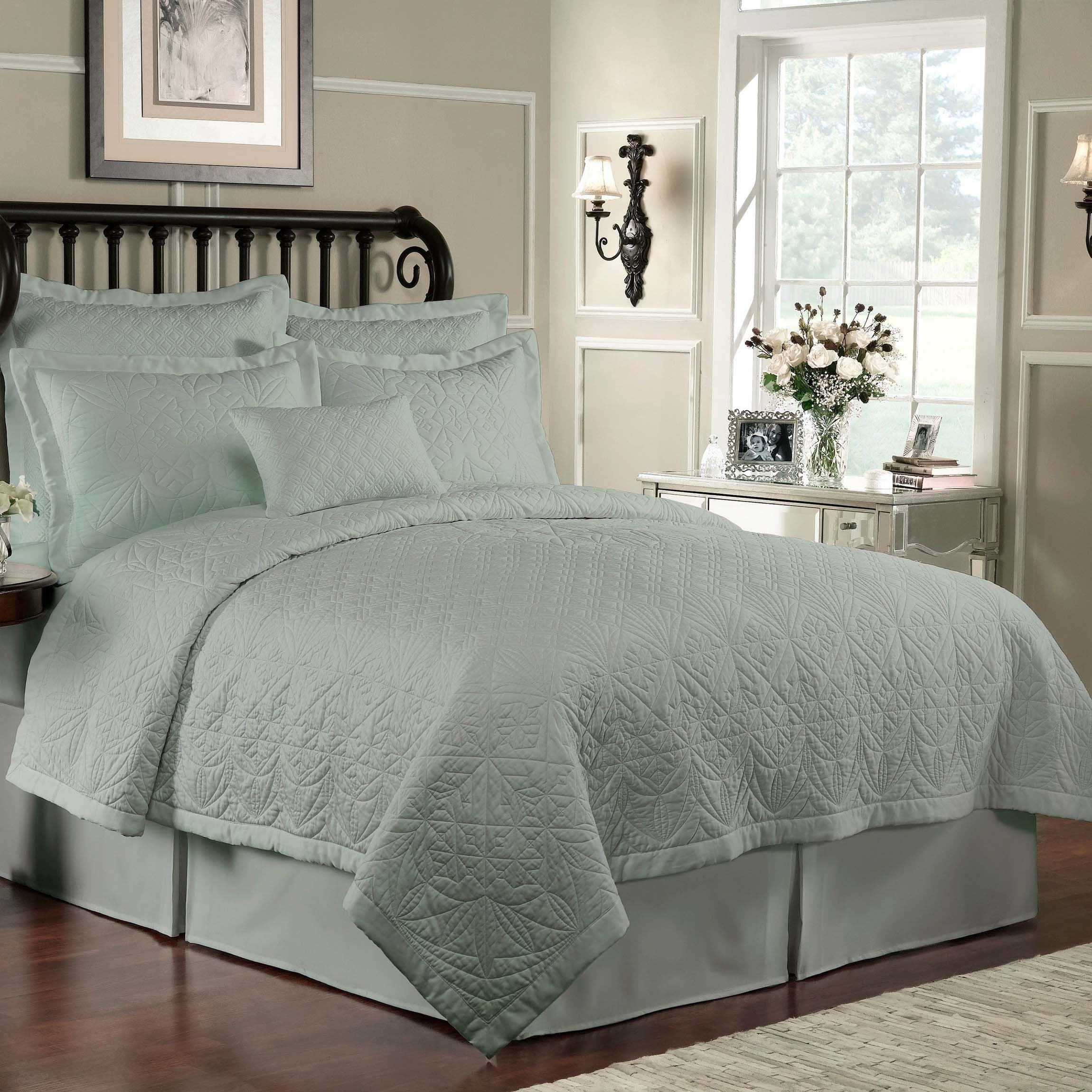 Lismore Sage Quilt [Luxury comforter Sets] [by Latest Bedding]