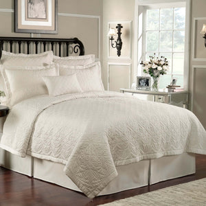 Lismore White Quilt [Luxury comforter Sets] [by Latest Bedding]