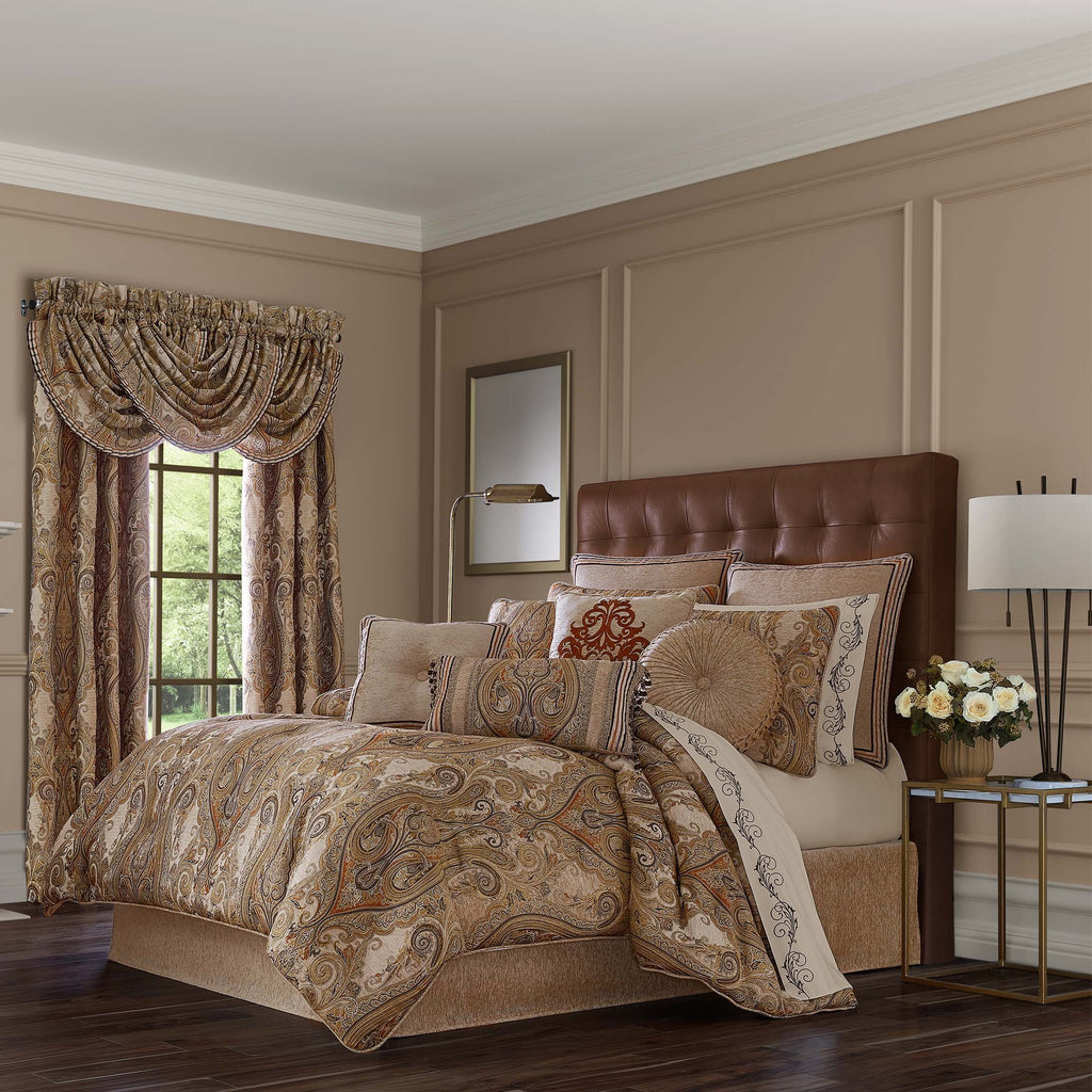Luciana Beige 4-Piece Comforter Set [Luxury comforter Sets] [by Latest Bedding]