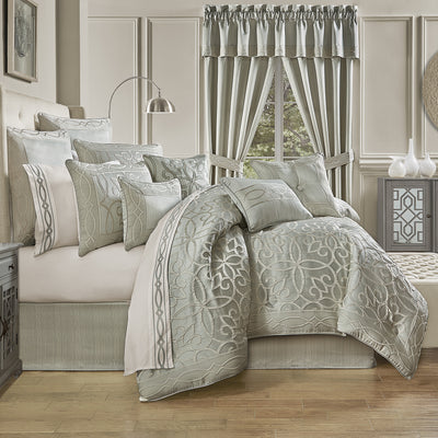 Nouveau SPA 4-Piece Comforter Set Comforter Sets By J. Queen New York