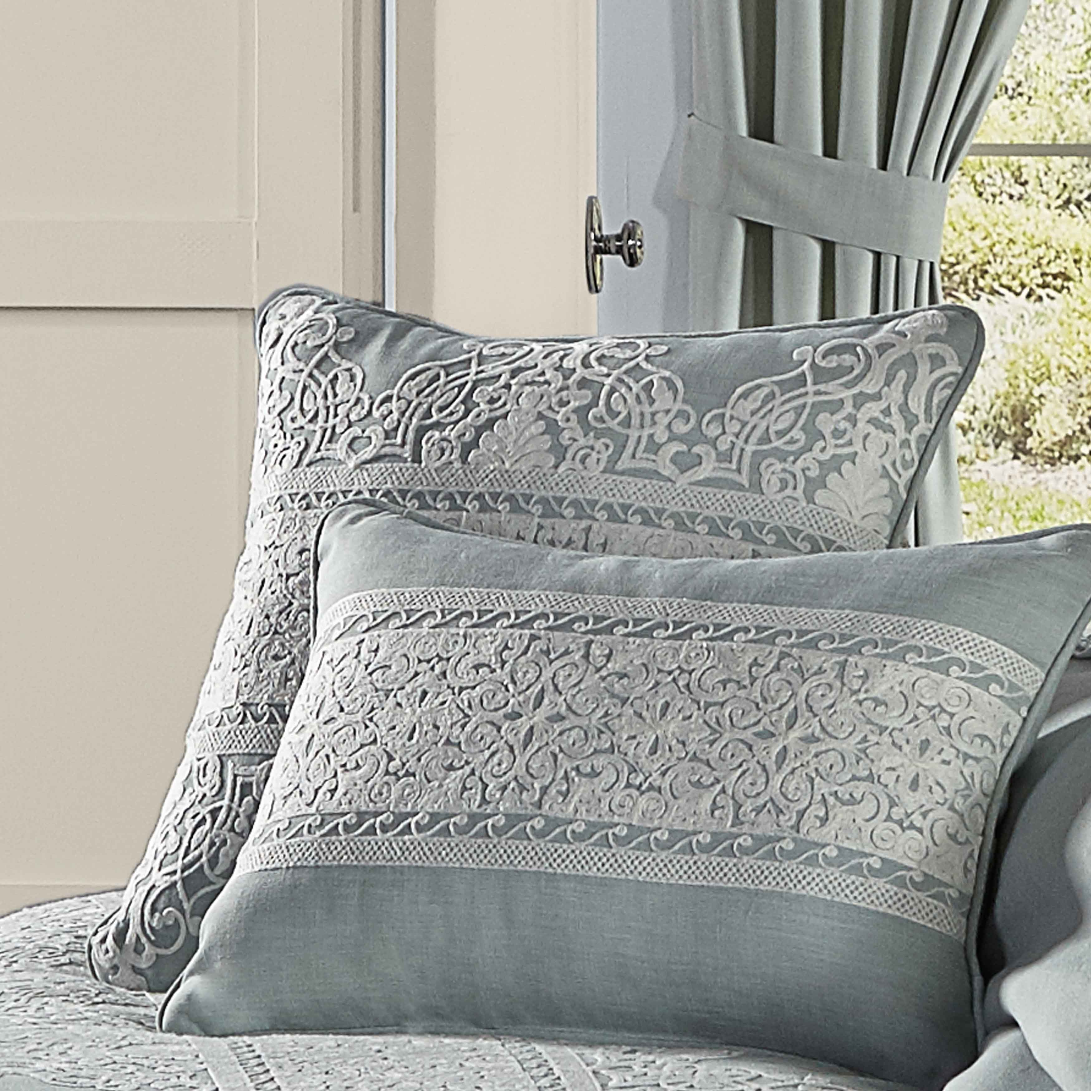"Patricia SPA Decorative Throw Pillow 20"" x 20"" [Luxury comforter Sets] [by Latest Bedding]"