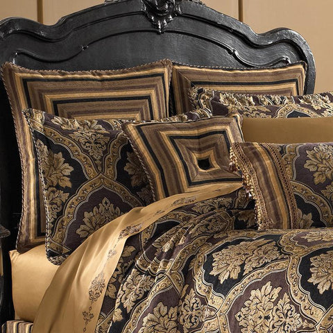 Reilly Black 4-Piece Comforter Set [Luxury comforter Sets] [by Latest Bedding]