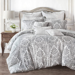 Saffira White 3-Piece Comforter Set By Croscill [Luxury comforter Sets] [by Latest Bedding]