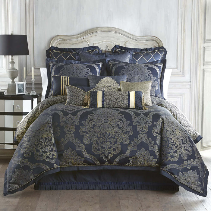 Vaughn Navy/Gold 4-Piece Reversible Comforter Set