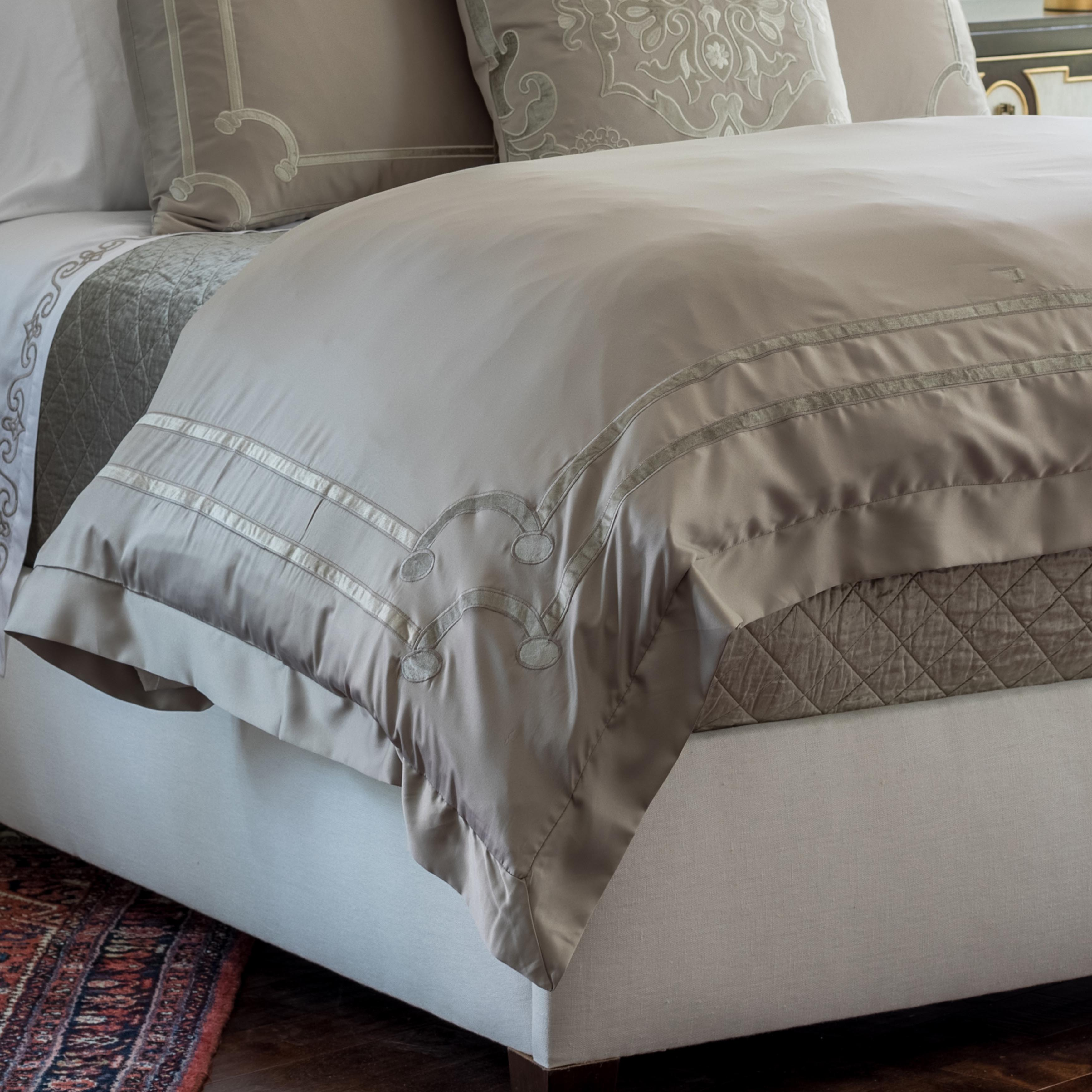 Vendome Taupe S&S Fawn Velvet Duvet Cover [Luxury comforter Sets] [by Latest Bedding]