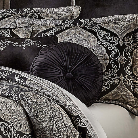 "Vera Black Round Throw Pillow 15"" X 15"" [Luxury comforter Sets] [by Latest Bedding]"