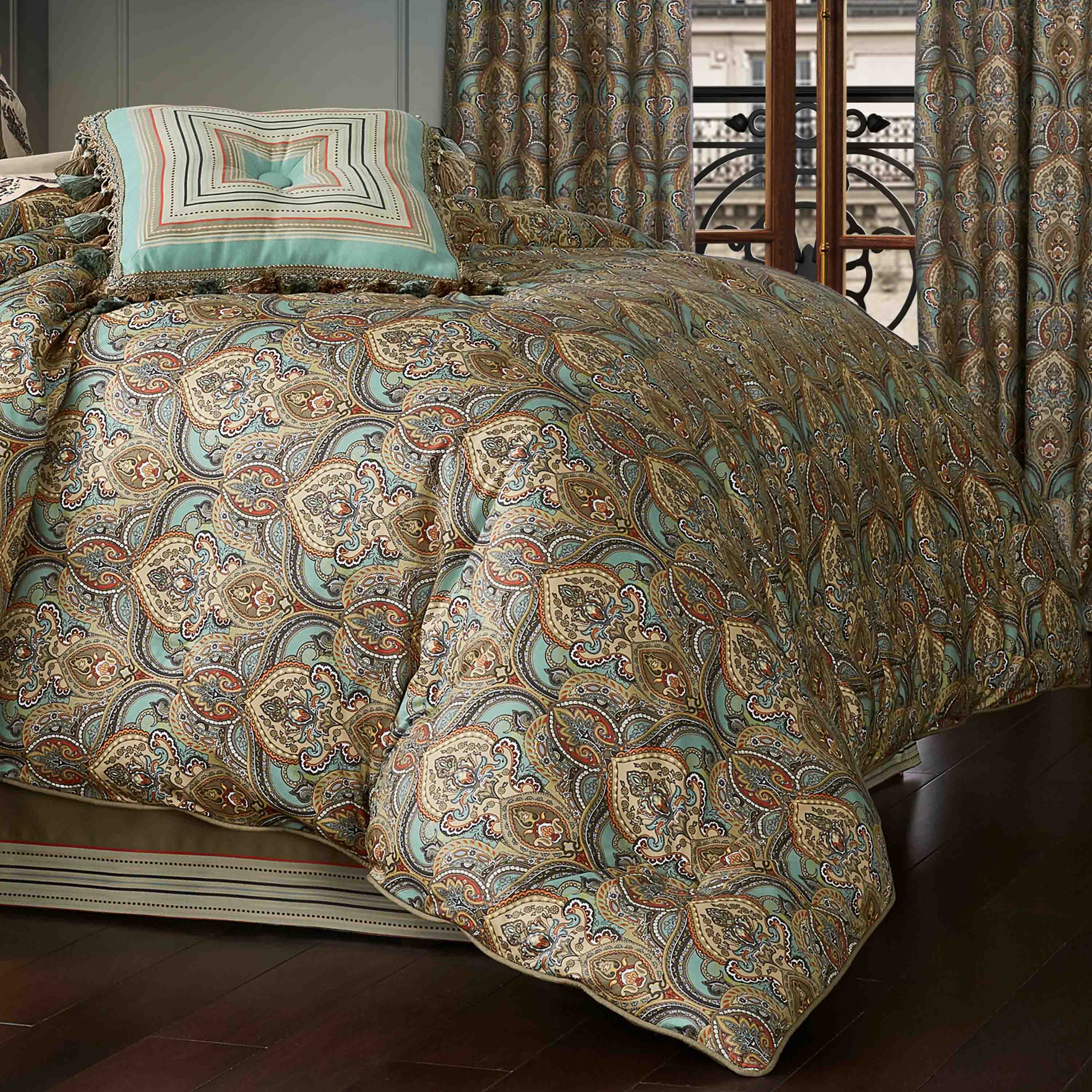 Victoria Turquoise 4-Piece Comforter Set [Luxury comforter Sets] [by Latest Bedding]