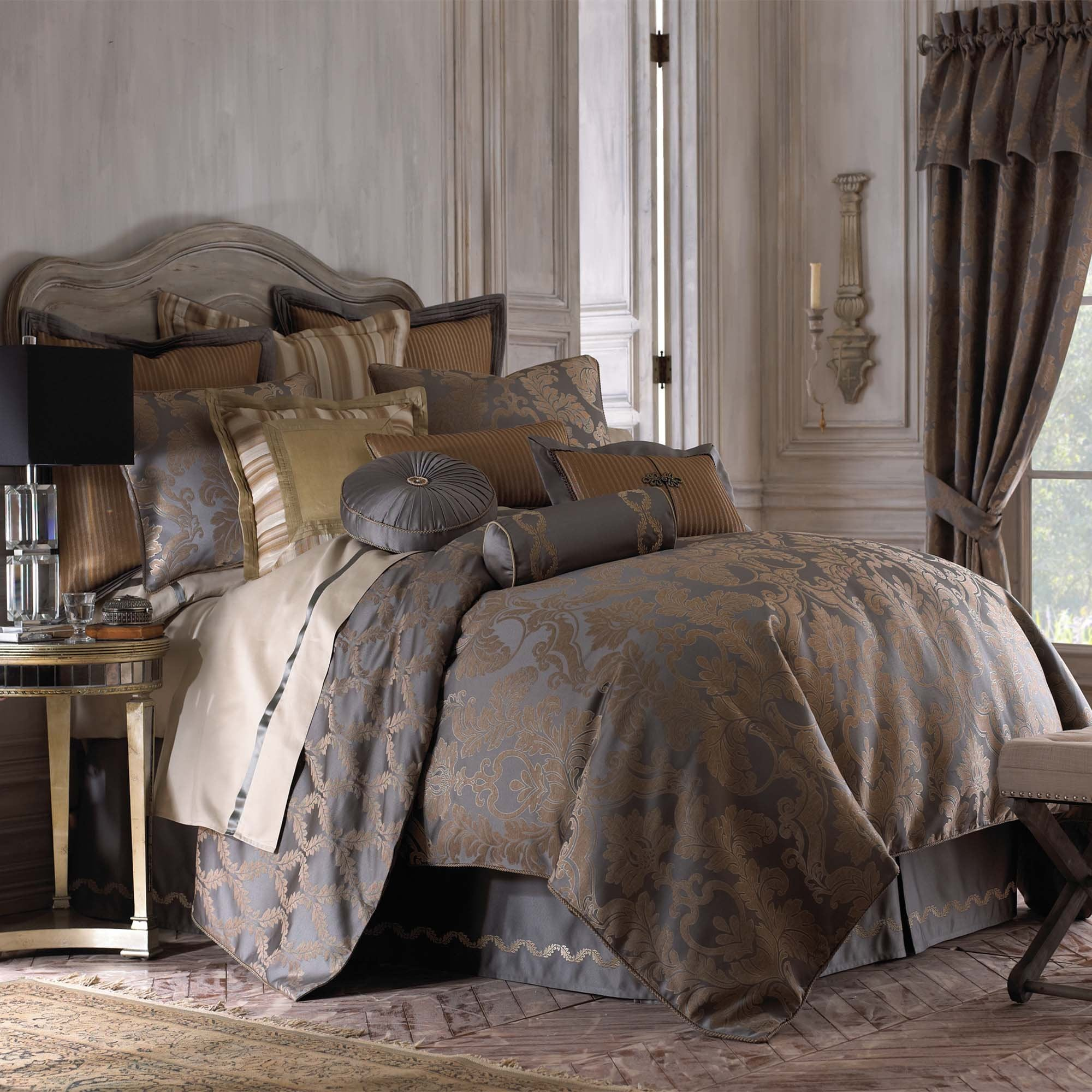 Walton Charcoal/Bronze 4-Piece Comforter Set [Luxury comforter Sets] [by Latest Bedding]