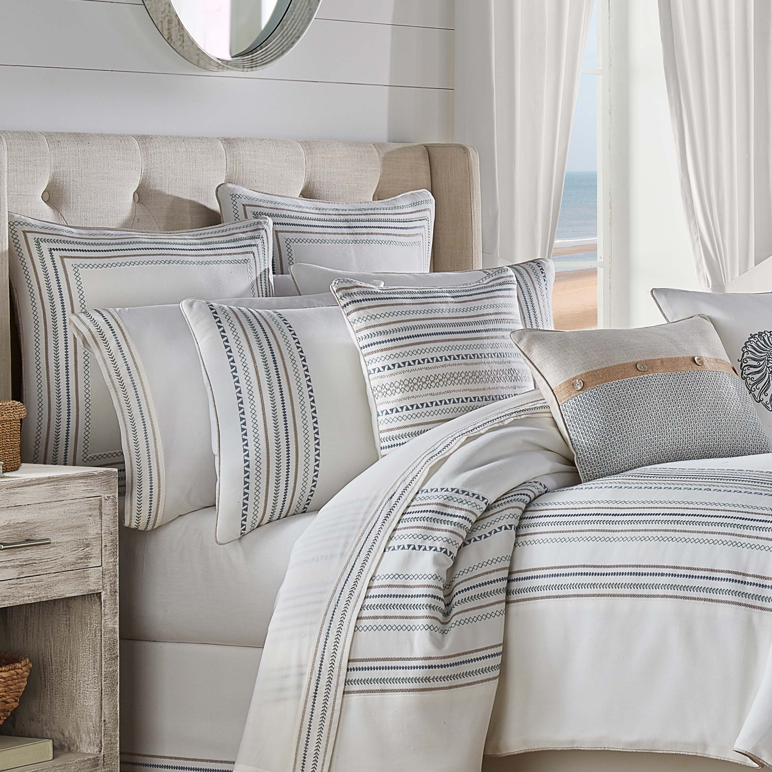 Waterbury SPA 4-Piece Comforter Set [Luxury comforter Sets] [by Latest Bedding]
