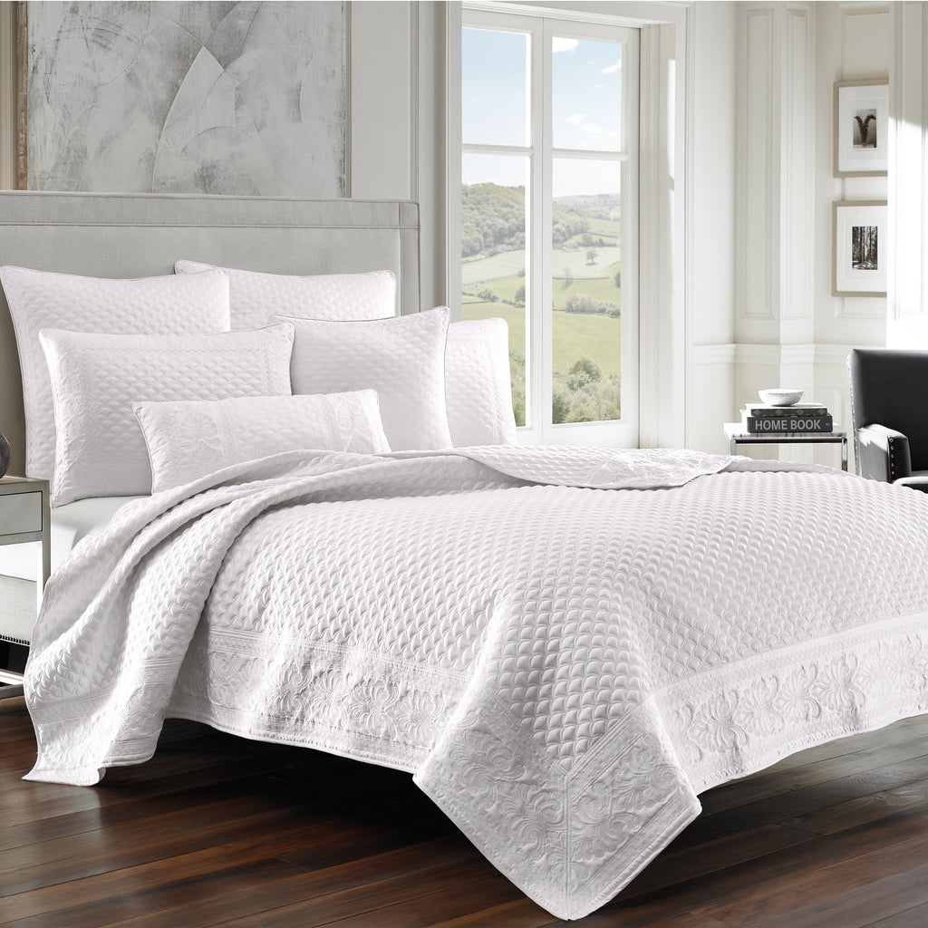 Zilara White Coverlet [Luxury comforter Sets] [by Latest Bedding]