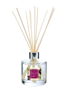 Wax Lyrical 200ml Reed Diffuser Christmas Rose - LAST FEW AVAILABLE!