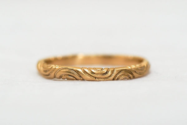 Mijatu Wave Gold Ring