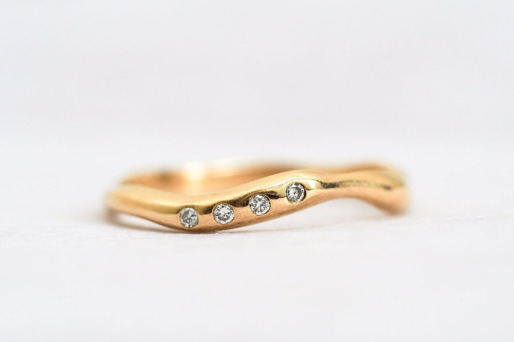 Mijatu Oasis Diamond and Recycled Gold Ring with Australian Argyle Diamonds