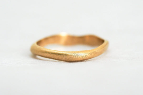 Mijatu Dune ring handcrafted in recycled Australian Gold