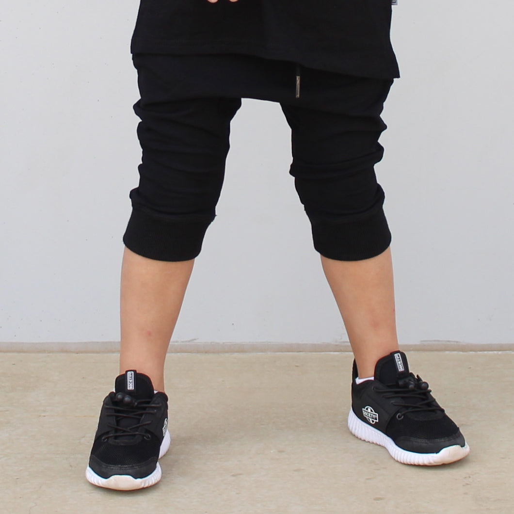 Phantom Crop Pants