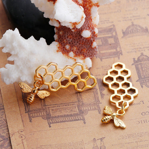 DoreenBeads Zinc Based Alloy Gold Silver Color 3D Pendants Honeycomb Bee
