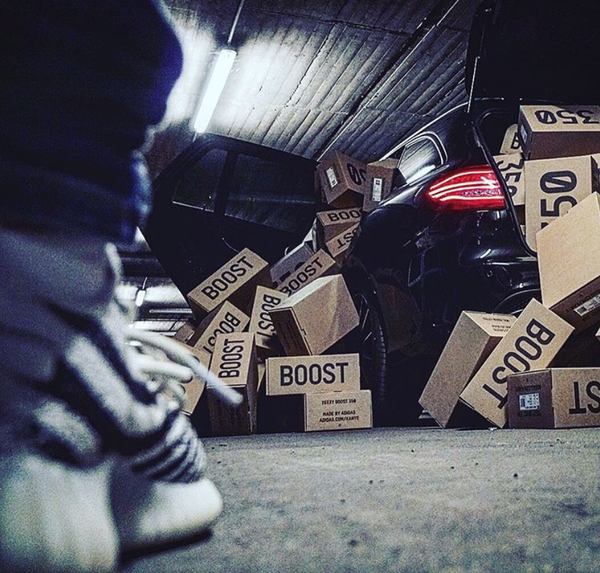 yeezy-sneakers-resell-consignment