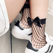 fishnet bow socks - Raw Strawberry