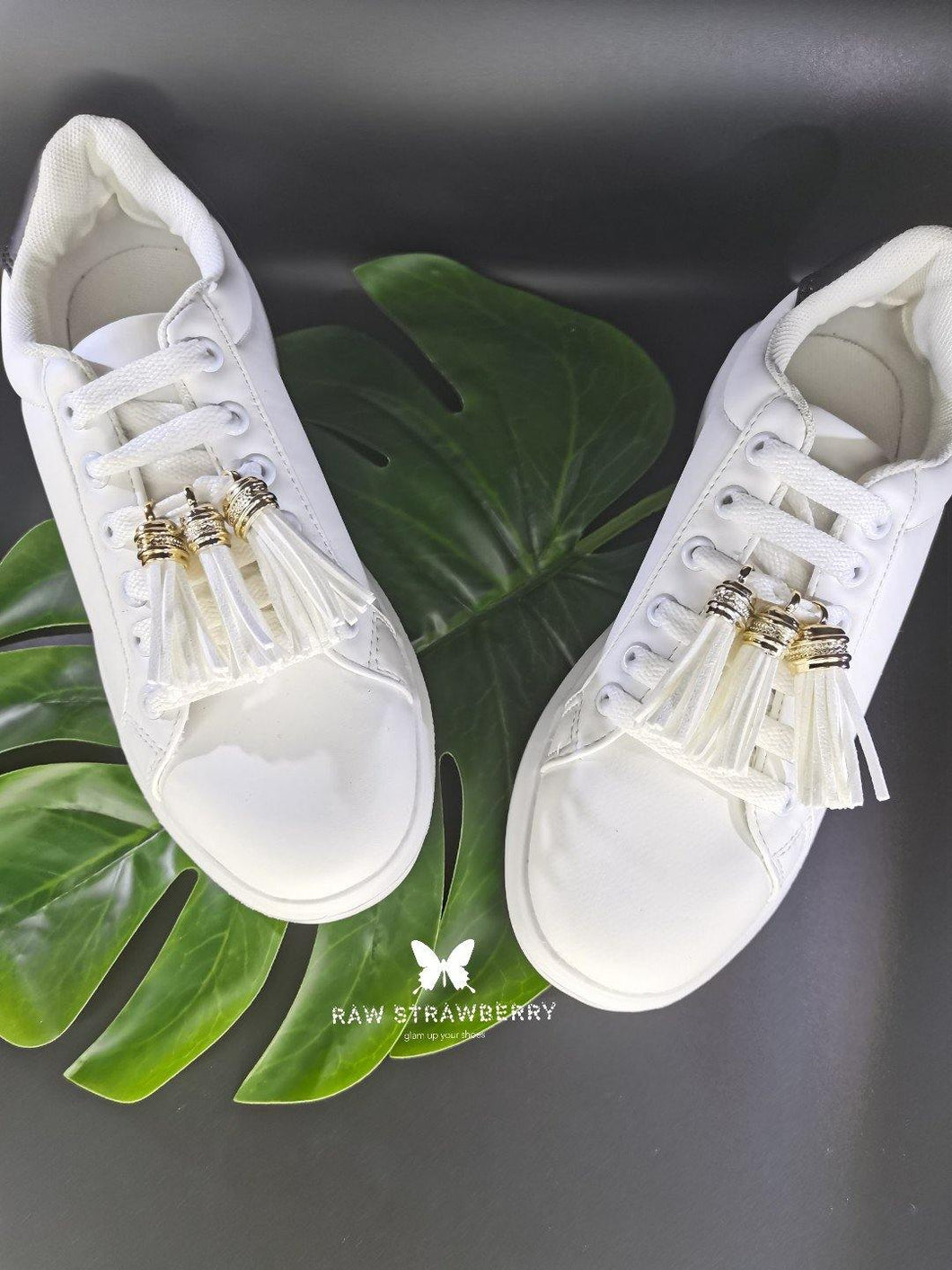 white sneaker tassels (6 pieces) - Raw Strawberry