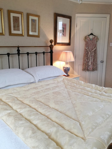 Italian Damask Eiderdown - Cream