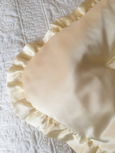 Butter Cream 100% Silk Satin King Sized Eiderdown - IN STOCK