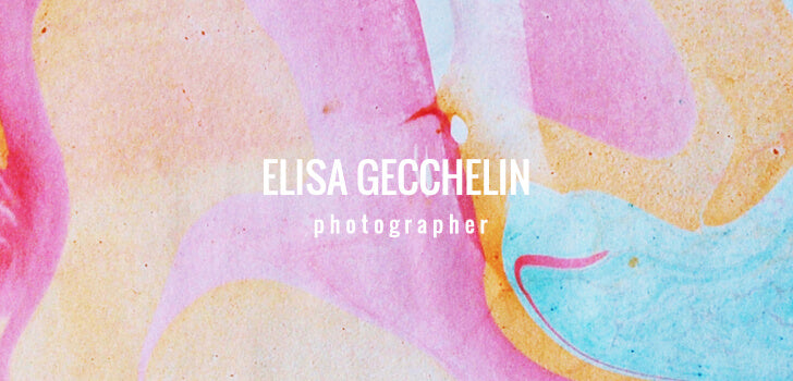Elisa is a freelance photographer passionate about doing portraits. The business card we designed for her was simple & minimalistic with a neutral color combination.