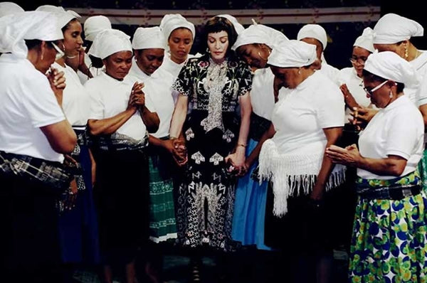 "Madonna became a brunette for a new clip in ""African"" style (video)"