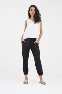 Women's eco friendly clothing pants l Genie jersey pants in Black l Donnah
