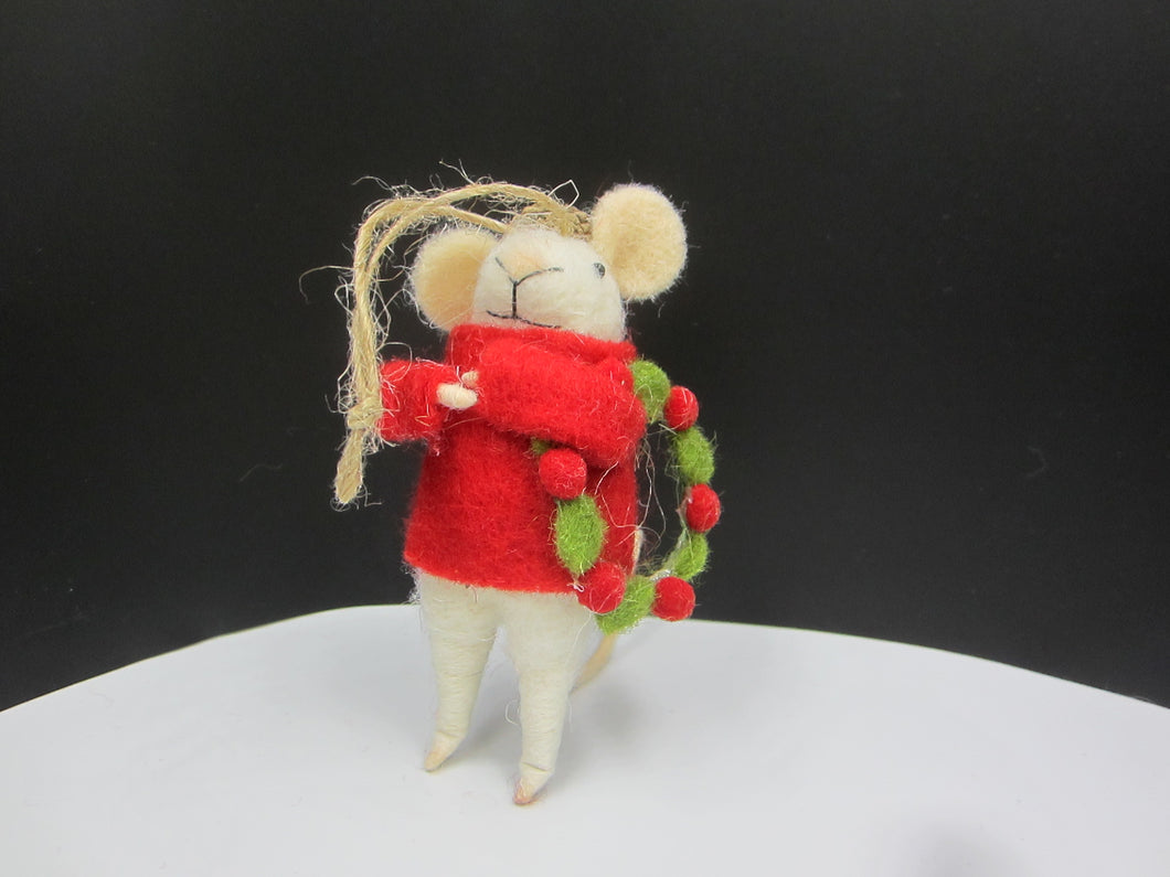Christmas mouse holding a festive wreath