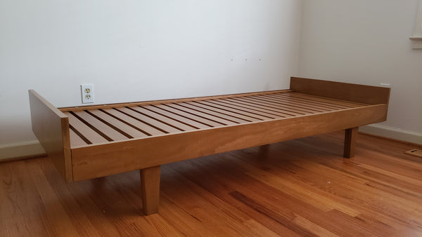 Pullout trundle or Daybed makes queen size bed