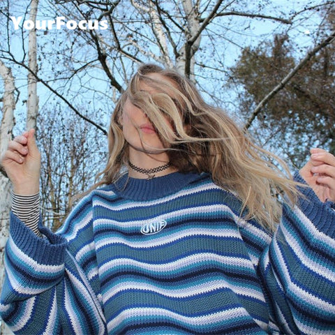 2017 new retro old school street girl unif embroidery striped blue pullover loose and short knitted sweater women and men