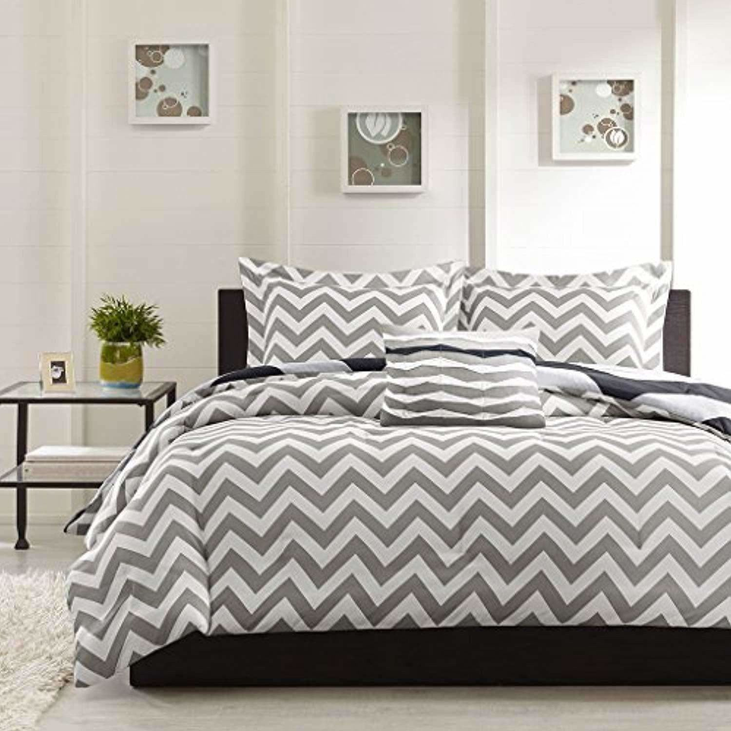 Cotton Double Bedsheet with 2 Pillow Covers - Modern White and Grey