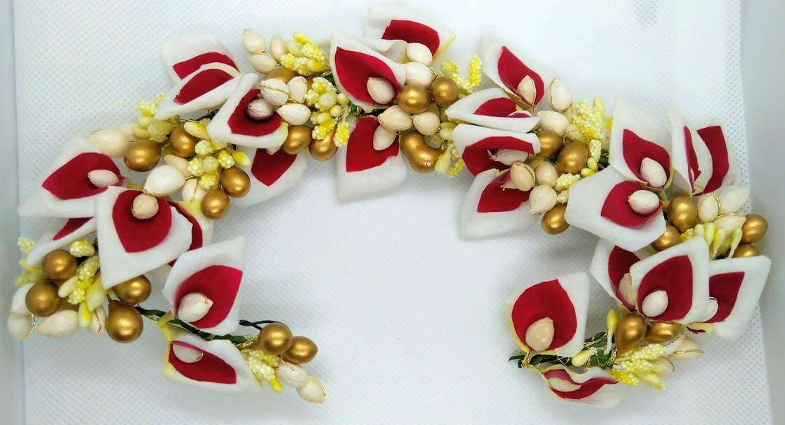 Pink & White Flower With Gold Beads Hair Gajra