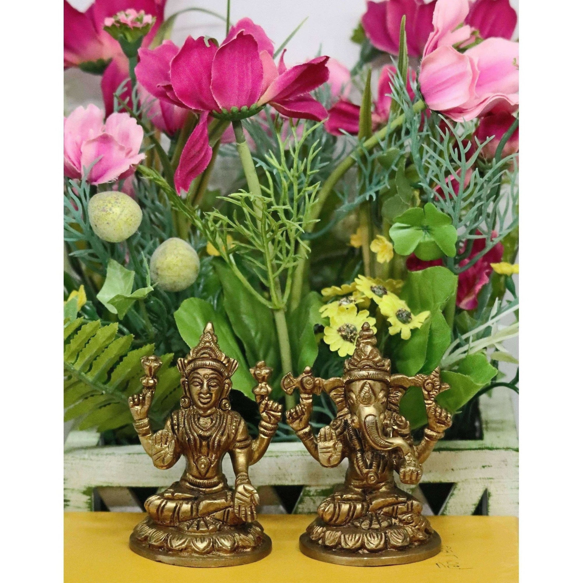 Chahat Premium Living Brass Small Lakshmi Ganesh Set